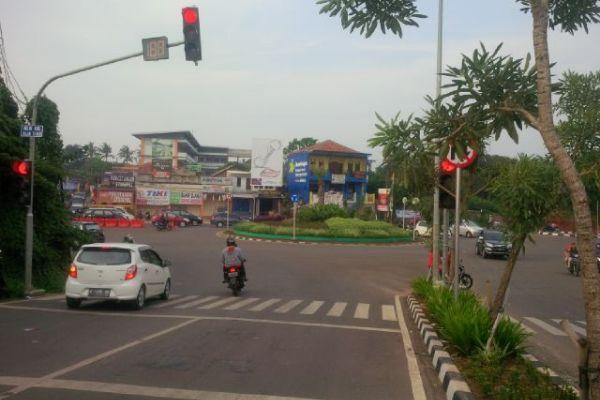 Traffic Light di Bundara Maruga, Ciputat. (ymw)