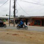 Warga Minta Tiang Listrik di Jalan Ciater Serpong Dipindah