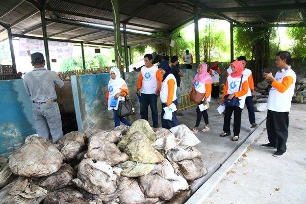 Warga DKI Jakarta saat kunjungan ke Pabuaran Tumpeng. (ist)