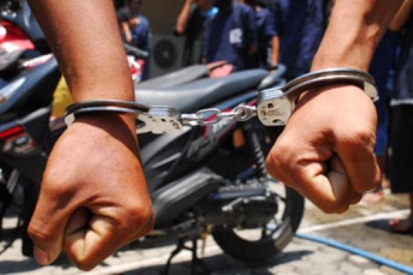 Jual-Beli Motor Bodong, 3 Pria Ditangkap di Bintaro