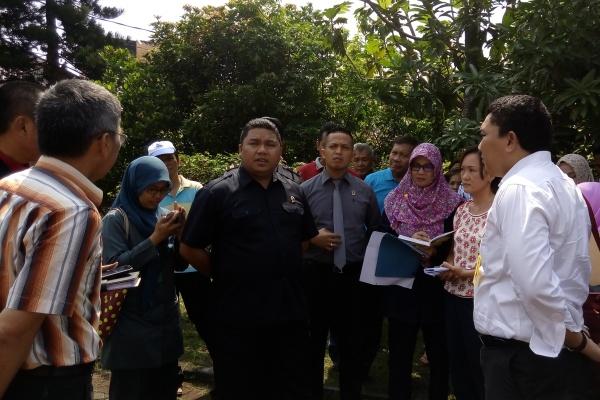 Proses sidang lapangan yang digelar PTUN Serang di Melati Point. (one)
