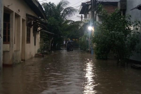 Kondisi banjir di kawasan Kelurahan Bencongan. (tri)