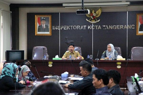 Wakil Walikota Tangerang, Sachrudin (kiri) membuka bimtek Inspektorat. (ist)