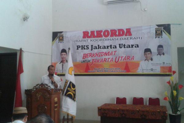 M Idrus memberikan sambutan dalam kegiatan di DPD PKS Jakarta Utara. (ist)