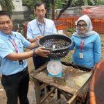 Program CSR PT Indah Kiat, Warga Paku Alam Panen Lele Sangkuriang
