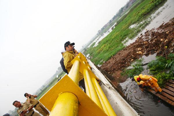 Walikota Tangerang Tetap Lakukan Sidak Walau Hujan