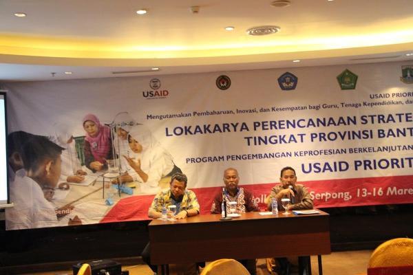 Kabid PMPTK Dinas Pendidikan Provinsi Banten, Muktarudin membuka secara resmi lokakarya perencanaan strategis tingkat provinsi Banten program PKB. (ist)