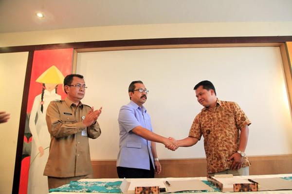 Pendandatangan amandemen kerjasama PDAM Tirta Benteng & PT Moya. (ist)