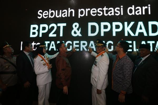 Peresmian layanan online BP2T dan DPPKAD Kota Tangsel. (ham)
