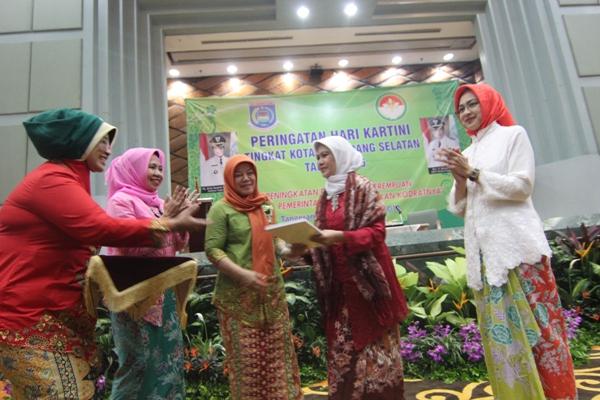 Walikota Tangsel, Airin Rachmi Diany saat peringatan Hari Kartini. (kie)
