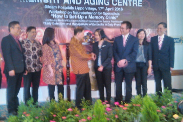 Peluncuran klinik Demensia di Siloam Hospitals. (feb)