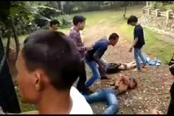 Warga menangkap pencuri kendaraan bermotor di Lengkong Karya. (ist)