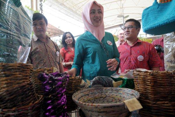 Walikota Tangsel, Airin Rachmi Diany menghadiri Festival Pendidikan di The Breeze. (man)