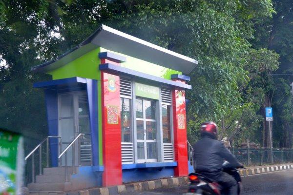 Kondisi halte Bus Rapid Transit di Kota Tangerang. (nai)