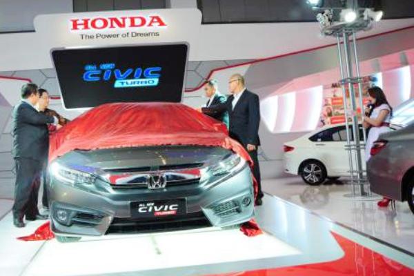 Honda, salah satu pabrikan yang meluncurkan varian baru di GIIAS Makassar Auto Show 2016. (ist)