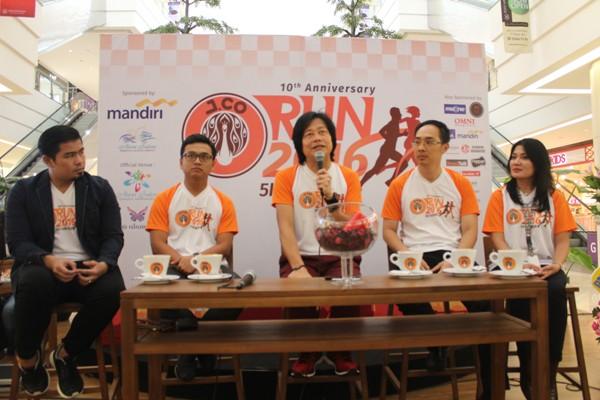 Perwakilan dari J.CO Indonesia memberikan sambutan dalam event J.CO 5K Run. (bung)