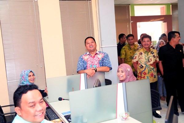 Walikota Tangerang saat launching PATEN di Kecamatan Karawaci. (ist)