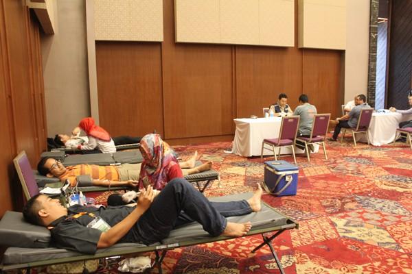 Kegiatan donor darah PMI Pandeglang di ICE BSD. (bung)