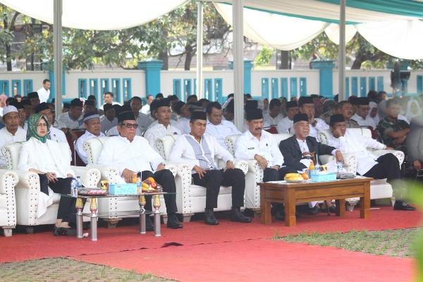 Peringatan Isra Mi'raj di lapangan Kantor Kecamatan Pamulang. (man)