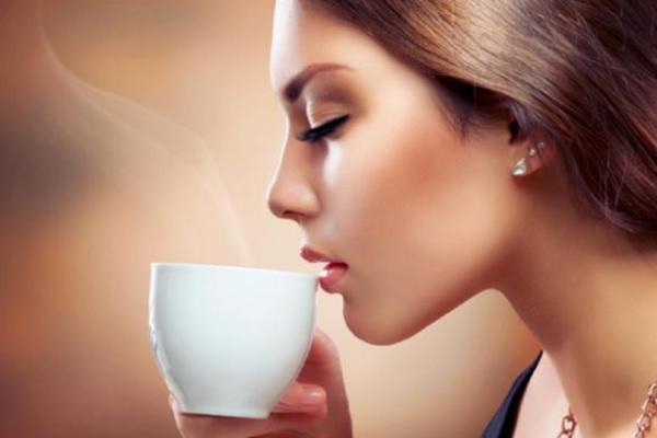Minum kopi bisa merangsang BAB. (bbs)