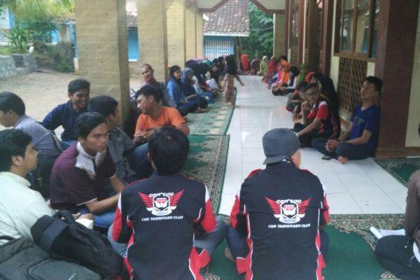 Kegiatan buka puasa bersama yang digelar CBRTAC di Yayasan Al Falah Salimah. (ist)