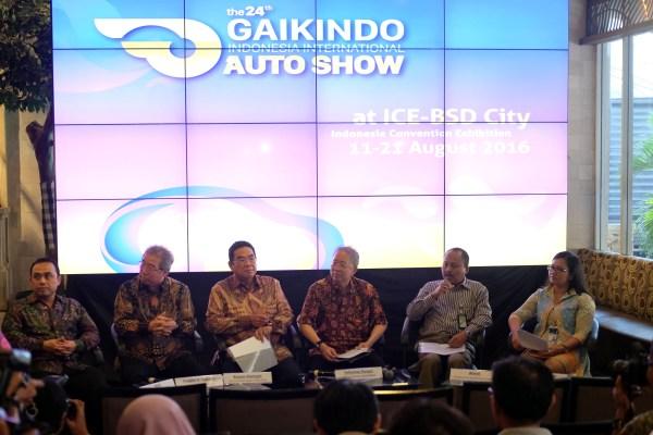 Gaikindo memberikan keterangan pers kepada wartawan. (bd)