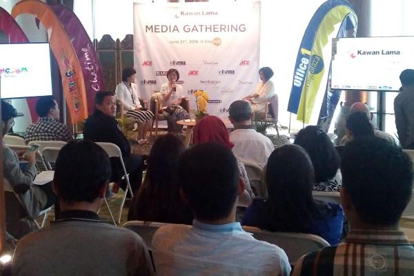 Suasana acara Media Gathering Manajemen Kawan Lama Retail dengan para wartawan. (bd)