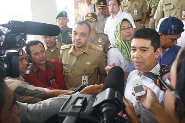 MenPAN-RB Yuddy Chrisnandy saat kunjungan ke Pemkab Tangerang. (eni)