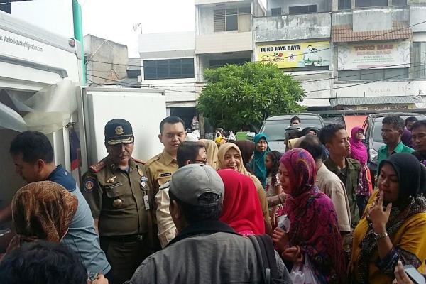 Operasi pasar Pemkot Tangerang di Pasar Anyar. (ist)