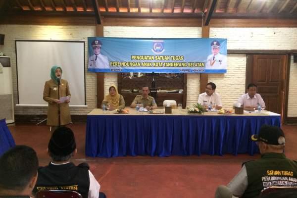 Walikota Tangsel, Airin Rachmi Diany saat kegiatan penguatan Satgas PA. (dok)