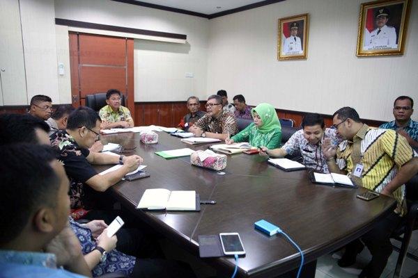 Rapat penataan dan penertiban pasar di ruang kerja Wakil Walikota Tangerang. (ist)