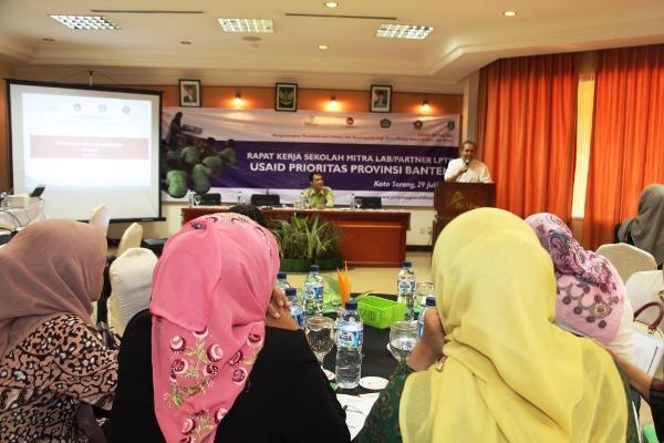 Akhman Sarjito, Staf Ahli Bidang Ekonomi Keuangan Kota Serang membuka acara. (ist)