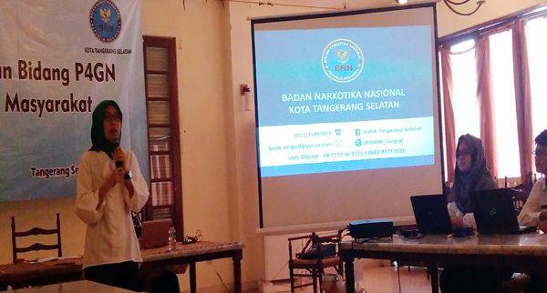 Drg. Vinna Tauria, Kepala Seksi Rehabilitasi, BNN Tangsel saat acara Sosialisasi. (bd)