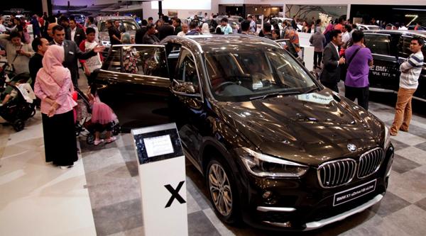 100 tahun BMW Group ditandai dengan peluncurkan kendaraan revolusioner BMW VISION NEXT 100. (ist)