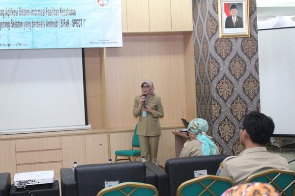 Direktur RSU Kota Tangsel, Maya Mardiana saat peluncuran SIFak- SPGDT RSU Kota Tangsel. (ist)