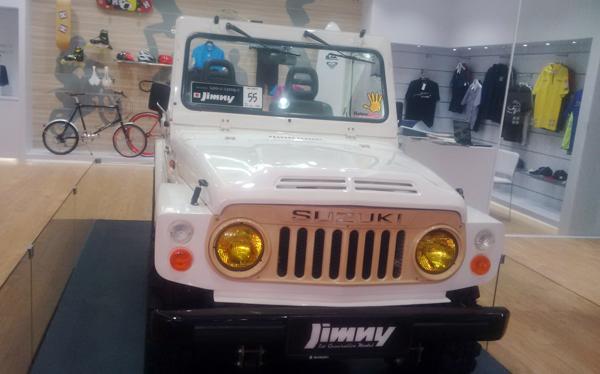 Jimny LJ80 generasi pertama dari Semarang dipamerkan di booth Suzuki Historical Corner. (bd)