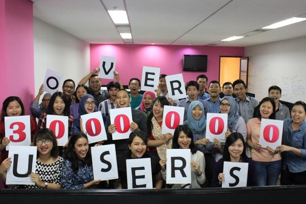 Karyawan Karirpad merayakan syukuran atas keberhasilan tembus 3 juta pengguna. (ist)