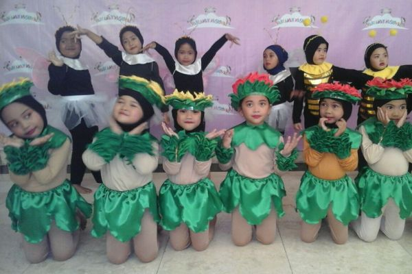 Murid TK Pembina 1 Kota Tangsel turut memperingati Hari Anak Nasional di Puspitek. (nad)