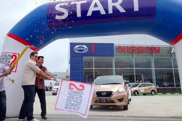 Head of Marketing Datsun Indonesia Christian Gandawinata melepas tim Datsun Risers Expedition 2. (ist)