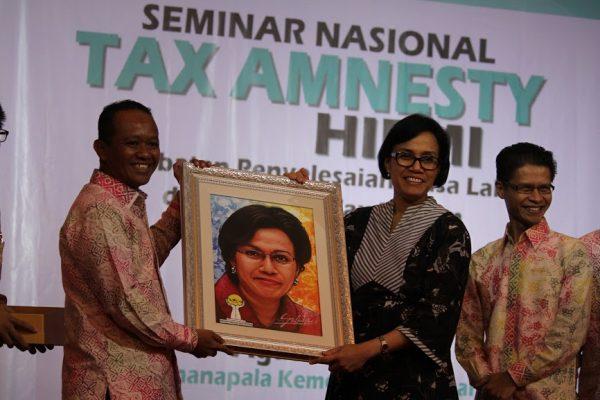 Sri Mulyani saat Seminar Nasional yang digelar HIPMI. (ist)