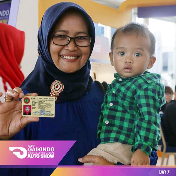 Guru, TNI & Polisi dapat menikmati fasilitas masuk gratis GIIAS 2016 dengan menunjukkan kartu keanggotaan mereka. (ist)