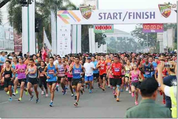 Ribuan peserta Serpong Green Warrior Run 2016 di SMS. (ist)