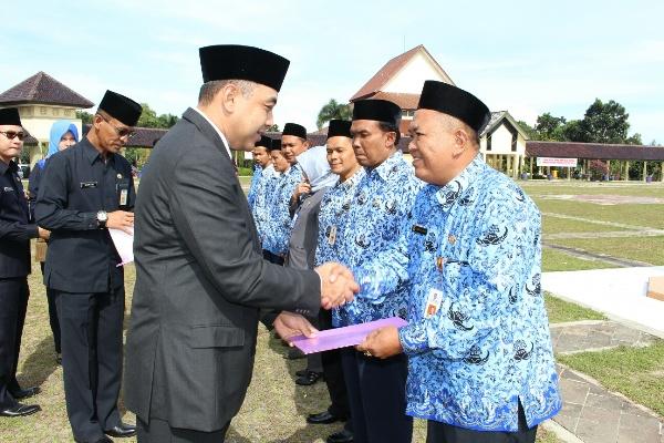 Bupati Ahmed Zaki Iskandar saat peringatan Hari Kesaktian Pancasila. (ist)