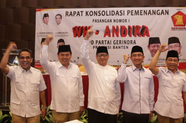 WH dan Andika diapit petinggi Partai Gerindra. (jok)