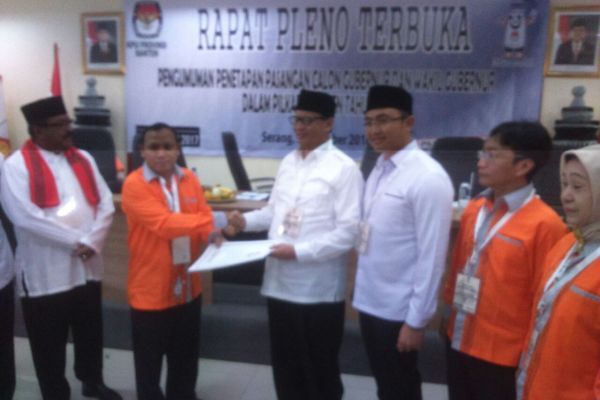 KPU Banten menetapkan dua pasangan calon pada Pigub Banten 2017. (uad)