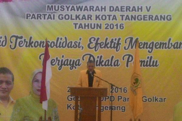 Ketua DPD II Golkar Kota Tangerang, Abdul Syukur memberikan sambutan pada Muda V Golkar. (uad)