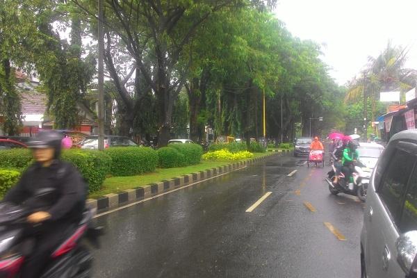 Lengang, Jalan TMP Taruan di Kota Tangerang. (uad)