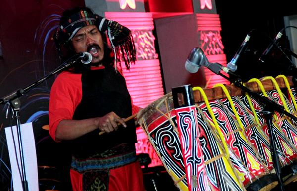 Penampilan musik Nusantara HorjaBius (Batak, Sumatera Utara) di PRI 2016. (ist)