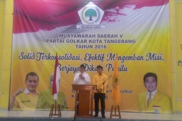 WH dan Andika memberi sambutan dalam Musda V Golkar Kota Tangerang. (uad)