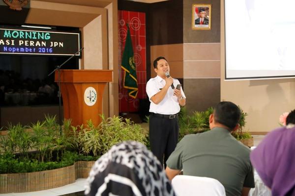 Arief sampaikan usulan penutupan gerbang tol karang tengah di acara Coffe Morning bersama Kajati Banten. (ist)